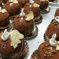 Dôme de chocolat meringue et caramel au beurre salé